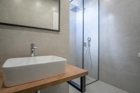 Novalja - dvosoban apartman s vrtom, 76 m2, novogradnja