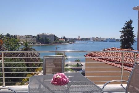 Zadar, Brodarica - dvoetažni stan s velikom terasom, 90 m2