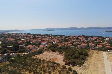 Sv. Filip i Jakov - građevinsko zemljište s pogledom na more, 685 m2
