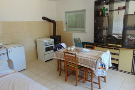 Jadrija, Bogdanovići - vikendica 58 m2 s dvorištem od 465 m2