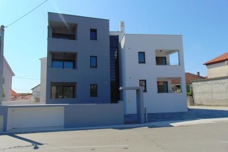 Zadar, Smiljevac - moderan stan s velikom terasom, novogradnja, 111 m2