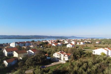 Sv. Filip i Jakov - građevinsko zemljište u blizini mora, 490 m2