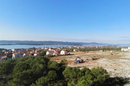 Sveti Filip i Jakov - građevinsko zemljište, 650 m2