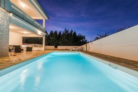 Rovanjska - vila s bazenom u blizini mora, 250 m2