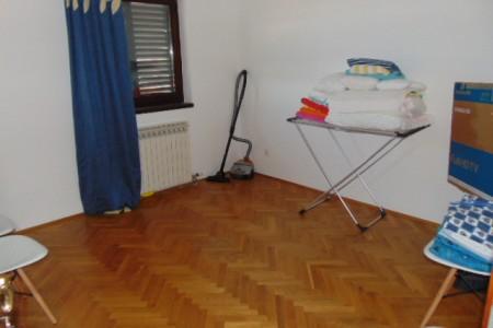 Šibenik, Podsolarsko - apartman s pogledom na more, 130 m2
