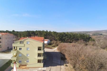 Posedarje - dvosoban namješten apartman u blizini plaže 41 m2