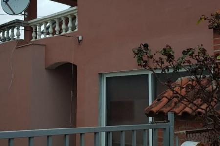 Zadar, Diklo - kuća sa 4 apartmana nadomak plaže