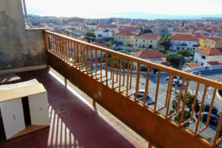 Zadar, Melada - trosoban stan s pogledom na more 72,56 m2
