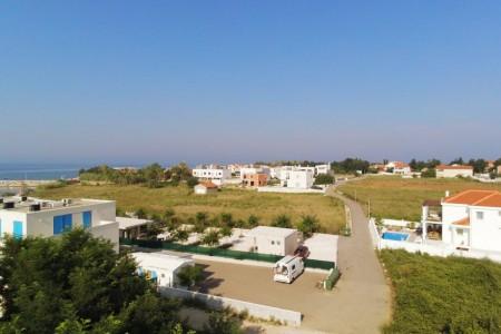 Privlaka - građevinsko zemljište drugi red do mora, 551 m2