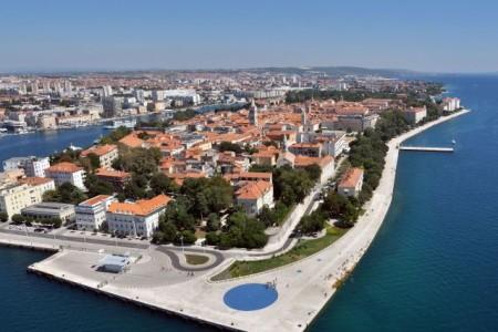 Zadar, Poluotok - dvosoban stan s pogledom na katedralu Sv. Stošije, 68 m2
