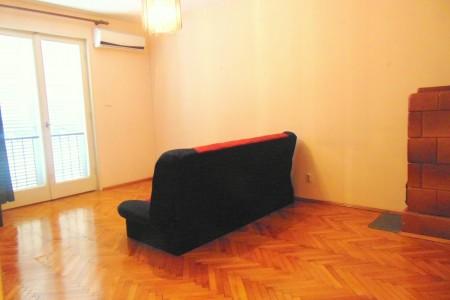 Zadar, Poluotok - dvosoban stan, 52 m2